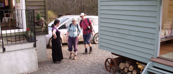 Guests arriving at the Shepherd's House B&B Loch Lomond
